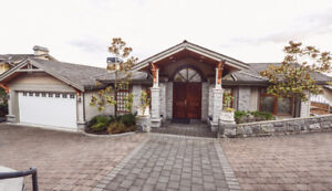 ★One of a kind Tudor Style home with Spectacular Ocean View★