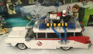 Lego Ghostbusters Ecto - 1 with 4 Mini Figures