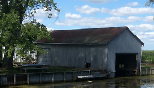 Boat House for Sale - YOU MOVE