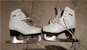 Fila figure skates size 8Y for kid
