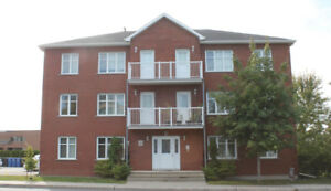 Longueuil beautiful Condo with backyard!!!