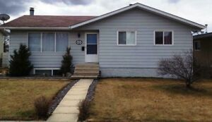 2 bdrm 1.5 bath house with large garage in Drayton Valley
