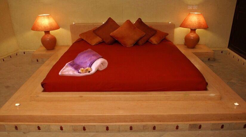 Full Body Massage, ebony black female therapist, London Victoria/Waterloo Incalls & Hotel Outcalls