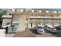 3 bedroom flat in London, London, E15 (3 bed)