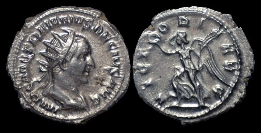 Trajan Decius AR antoninianus Victory running left