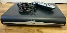 SKY +HD BOX, SLIMLINE MODEL, MINT CONDITION REMOTE AND LEAD INCLUDED