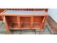 Pets at Home hutch and thermal cover