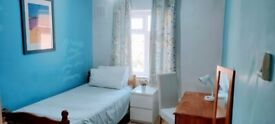 Gorgeous room in a female flatshare