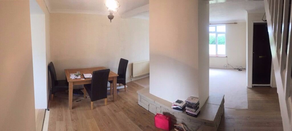 NEWLY REFURB. 2 BED HOUSE TO RENT IN CHADWELL HEATH. £1200PCM. 10 MINS WALK TO STATION