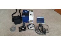 Sony DCR-SR33e Camcorder video camera with carry case
