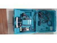 Makita RP0900X 110V 1//4// 3//8-inch Plunge Router by Makita