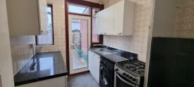 3 bed house to rent in greenford