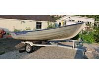 4.4m (14.5ft) Linder Fishing 440 Boat with Yamaha 6HP Outboard and Trailer