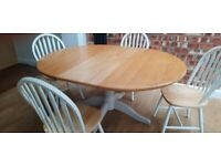 White Wood Spindle Back Kitchen/Dining Chairs x 4