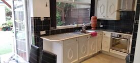 DSS WELCOME 3 Bedroom House with Large Reception, Dining and Back Garden in N9