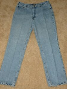 DENVER HAYES - Ladies Jeans - SIZE 34 / 30