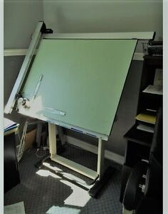 Industrial drafting table with Vemco drafting machine Gatineau Ottawa / Gatineau Area image 1