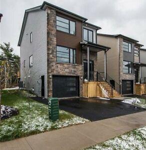 19-019 Fabulous newer home in Royal Hemlocks, Halifax