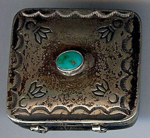 SWEET VINTAGE NAVAJO INDIAN STERLING SILVER STAMPED DESIGNS TURQUOISE PILL BOX