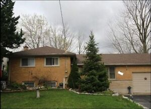 3+1 bedroom house south of downtown step to victoria hospital