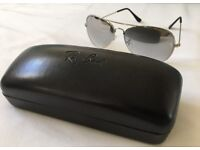 RAY BAN AVIATOR POLARISED SUN GLASSES