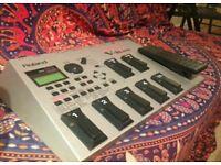 Roland V-Bass (Multi FX Pedalboard for Bass)