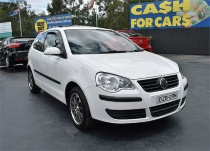 2006 Volkswagen Polo 9N MY2007 Club White Manual Hatchback Campbelltown Campbelltown Area Preview