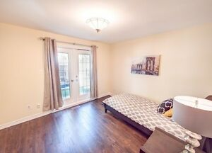 1 Bedroom, Yonge & Davis Dr, Newmarket $1050/Month All Inclusive