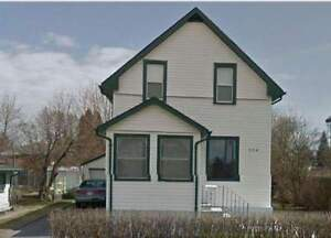 Two Bedrooms Available May/June 1 in Fully Furnished Home!