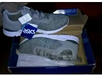 Trainers Asics size 8