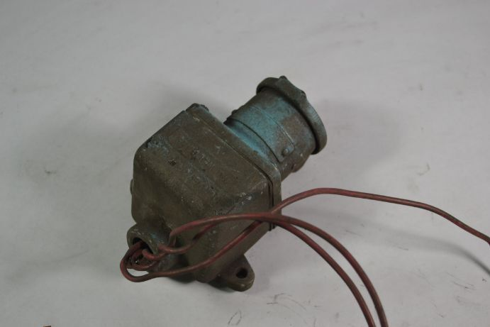 "Crouse Hinds ARE-23 Receptacle Back Box 3/4""  USED"