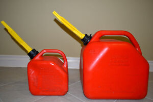 2 Fuel Gas Cans 20 Liter and 5 Liter Gas Can
