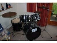 Drum kit, ideal for teenager
