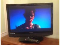 "22"" black lcd TV with built in FREEVIEW ideal for kitchen or bedroom can deliver"