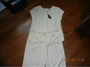 Vanity Fair Yellow Cotton T-Shirt & Capri Pajama Set Large 14/16