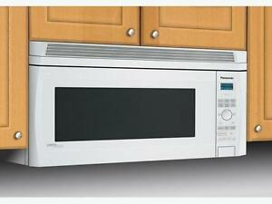 Panasonic Deluxe Genius® Inverter® OTR Over-the-Range Microwave