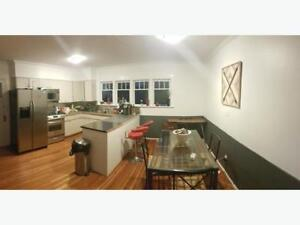 Looking for 1-2 Roommates in a nice Oak bay Home ASAP