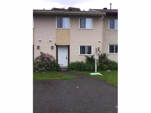 Great Buy!!! 3 Bedroom Town Home Recently Renovated
