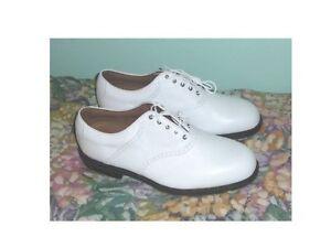 Pour homme : Souliers de golf NEUFS 11½ L, chandail & casquette