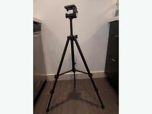 Black's Photography Deluxe Tripod BX45