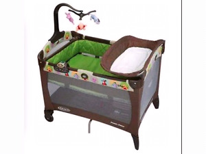 Graco playpen pooh charatcor