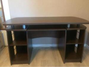 Beautiful Brown Computer Desk in Very Good Condition