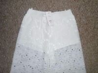New with tags women's trousers size M-can post