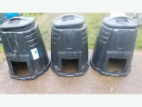3x Compost Bins