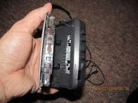 SONY WALKMAN WM-FX290 CASSETTE PLAYER VINTAGE WITH RADIO COMPLETE WITH EARPHONES AND CASE