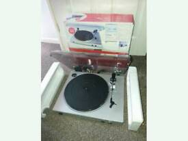 Ion USB Turntable/ Vinyl Archiver with Line Input
