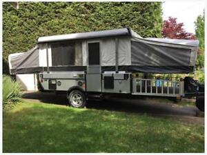 Rare - 2011 Coleman E3 Evolution Off Road Edition Tent trailer
