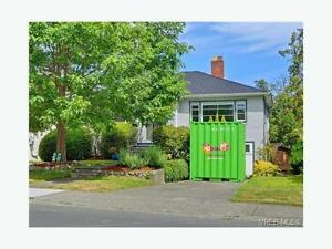 Adorable South Oak Bay home for rent