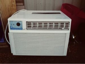 GOOD CONDITION FORESTAIR AIR CONDITIONER!!!