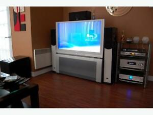 BIG SCREEN floor model (only used 1 day!!) Perfect for MANCAVE!!